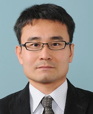 Associate Professor Toru Hirahara