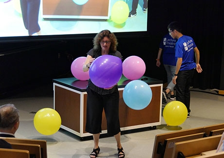 Demonstrating organelles with balloons
