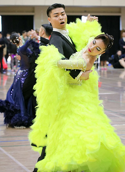 Haruki Watanabe, 2nd year, Materials Science and Engineering Nanaka Matsumoto, Sugino Fashion College 7th in waltz, 11th in foxtrot, 12th in quickstep, 13th in tango for 2nd and 3rd-year students