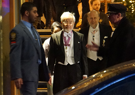 Ohsumi leaving Grand Hôtel