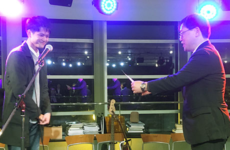 The awarding ceremony was held in a cafeteria located in Suzukake hole in Suzukake-dai campus