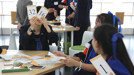Binary workshop held for Thai and Japanese high school students