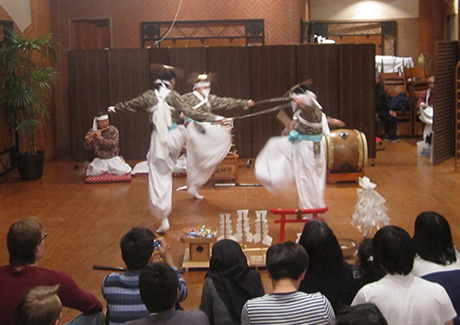 Kagura dance by local junior high students