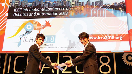 Atsushi TAKATA (Suzumori Endo lab.) received the IEEE Robotics and Automation Society Japan Joint Chapter Young Award.